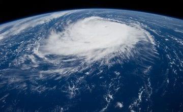 hurricane 1650692 1920 360x220 - Cat-Bonds – warum du Katastrophenanleihen kennen solltest