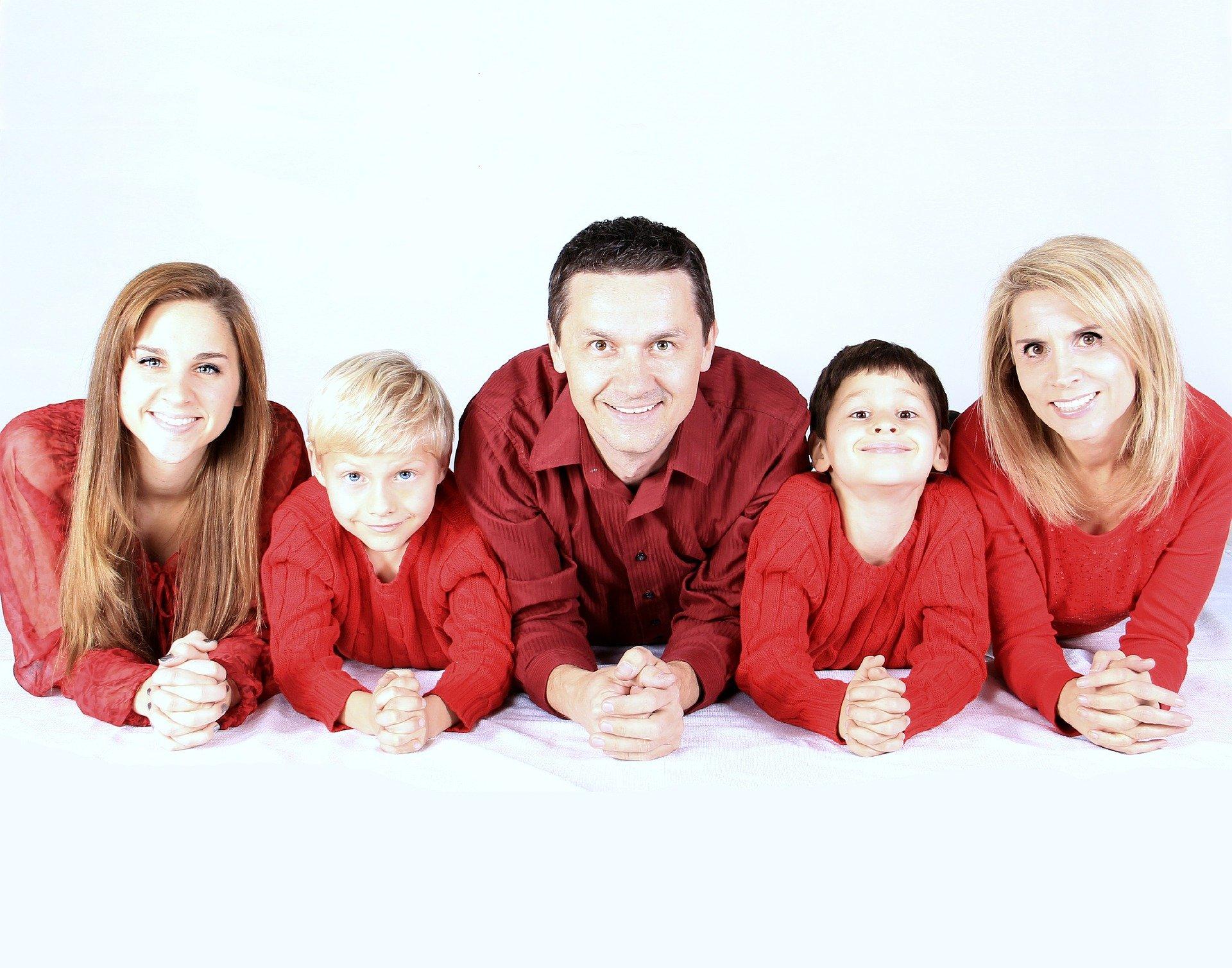 family 521551 1920 - Kinder in der Haftpflichtversicherung | Dieser Baustein darf nicht fehlen
