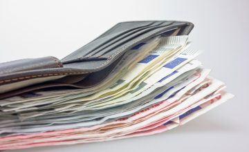 money 494163 1920 360x220 - Wie hoch sollte deine Berufsunfähigkeitsrente sein?