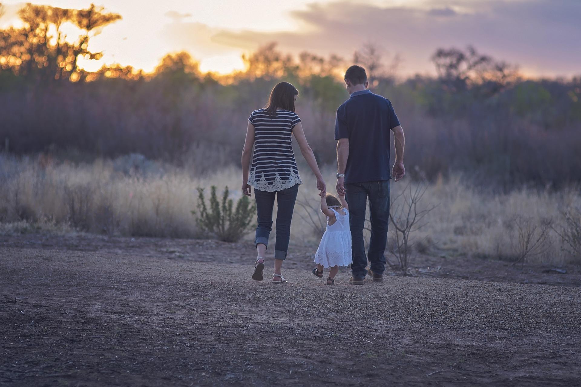 family 2485714 1920 - Deliktunfähige Kinder richtig in der Haftpflichtversicherung versichern