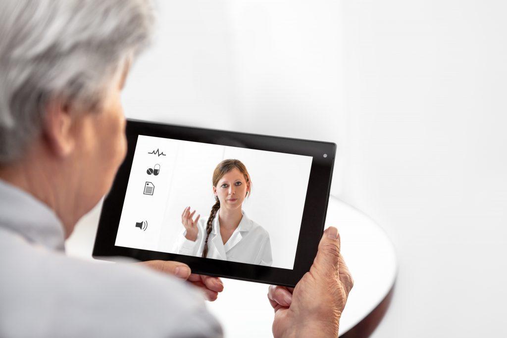 telemedizin online arzt 1024x683 - Telemedizin - Arztbesuch per Video-Chat