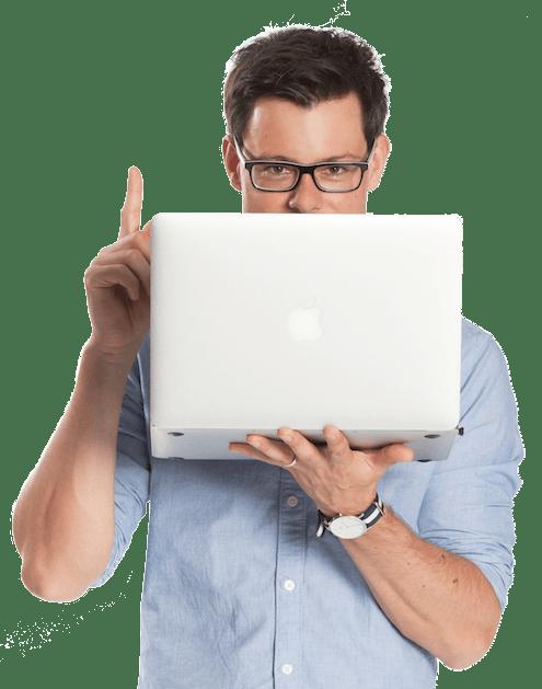 bastian mit laptop Kopie - Kostenlose Online-Beratung