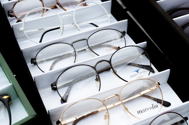 brillen - Brillenversicherung Vergleich (2021)